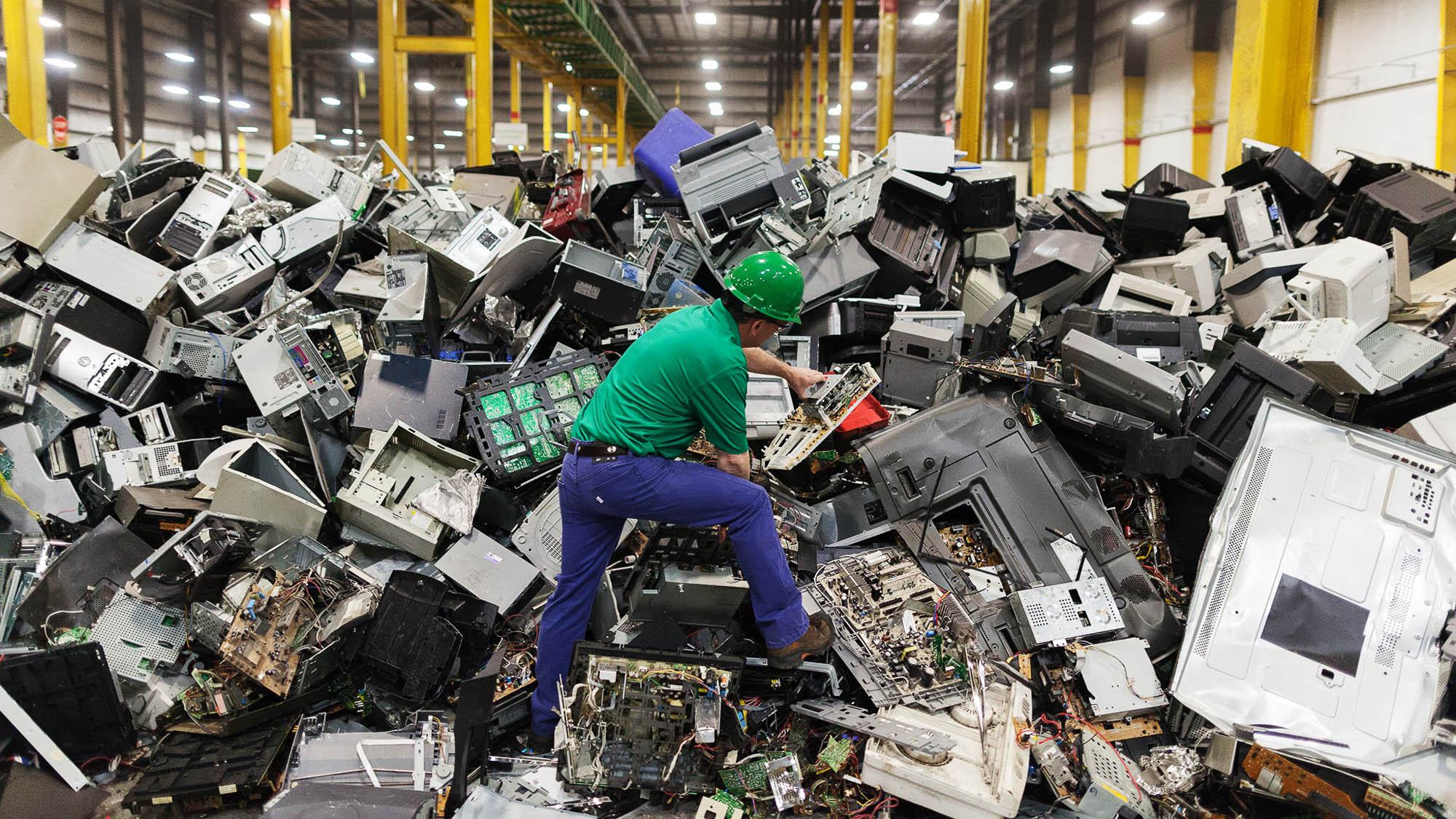 Тёмная сторона переработки электронных отходов