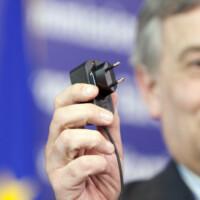 Европарламент проголосовал за введение единого разъема для зарядки телефонов