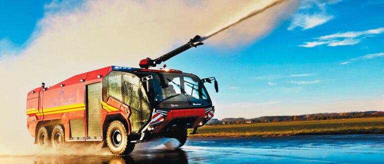 Пожарная служба Лос-Анджелеса покупает первую электрическую пожарную машину в Северной Америке