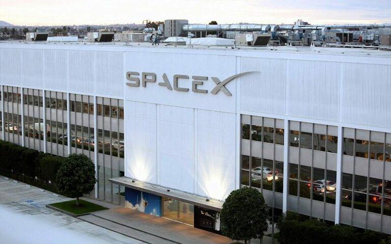 FCC США выдала SpaceX разрешение на установку миллиона наземных антенн для Starlink