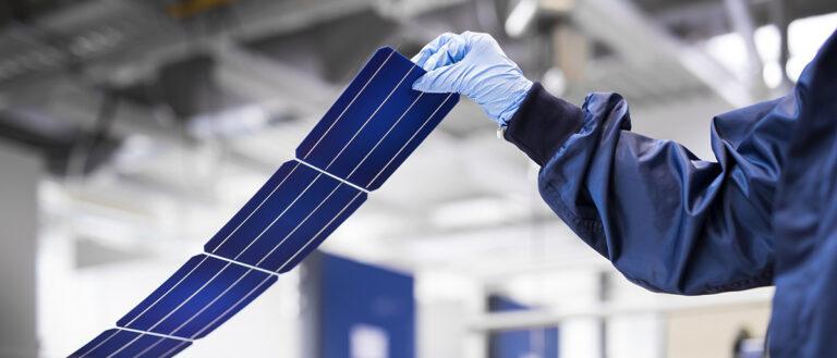 Перовскитовый слой поднял КПД солнечных элементов на треть
