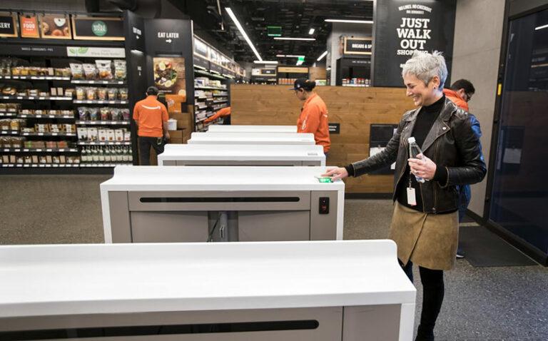 Amazon начала продажи своей технологии бескассовых магазинов