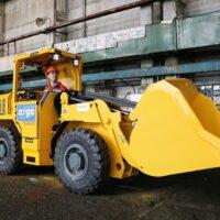 «Росатом» впервые в России запустил серийное производство погрузочно-доставочных машин