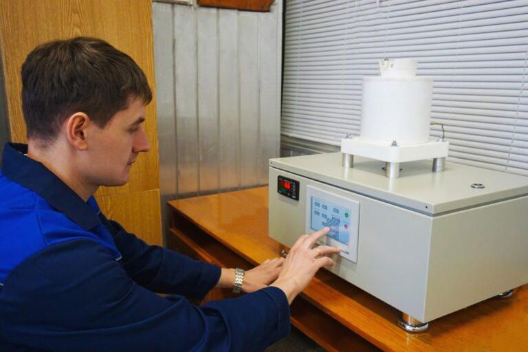 Создана первая российская установка для синтеза тонких оксидных пленок