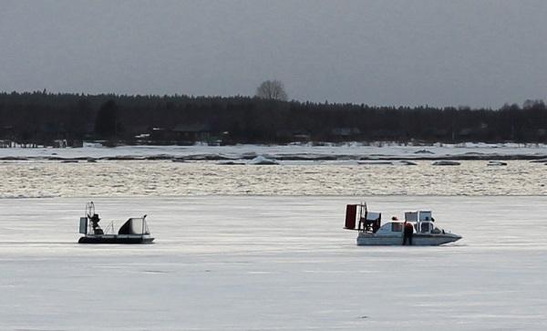 Энергетики спасли жителя Архангельской области, застрявшего во льдах