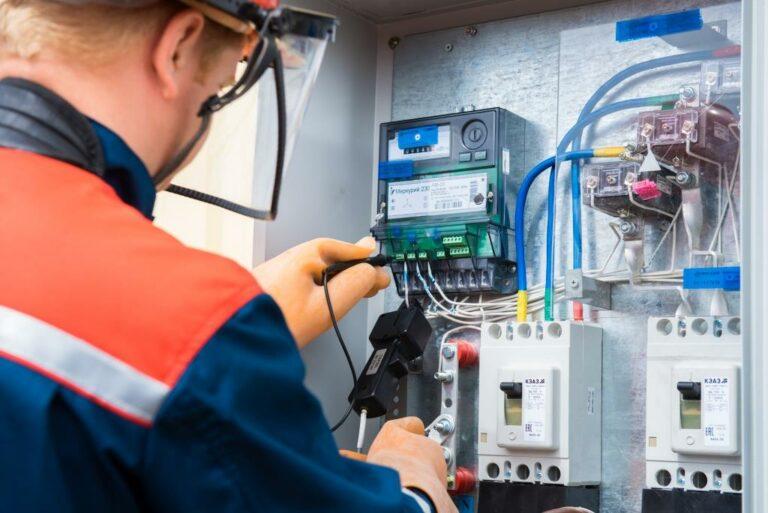 """""""Россети"""" планируют установить 1,7 млн """"умных"""" приборов учета электроэнергии до 2021 года"""