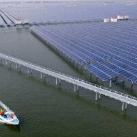 В Китае построили плавучую солнечную электростанцию мощностью 320 МВт