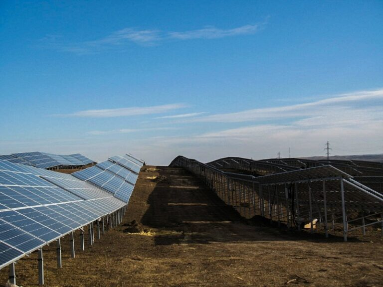 Крупнейшая солнечная электростанция в РФ вышла на полную мощность на Ставропольском крае