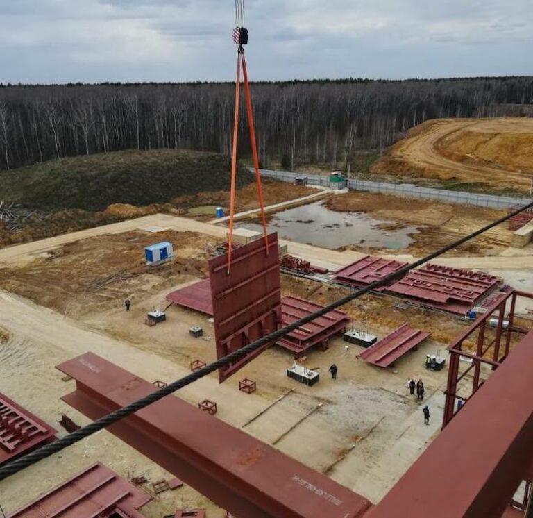 На первом в России заводе по переработке отходов в энергию начат монтаж крупногабаритных блоков котла