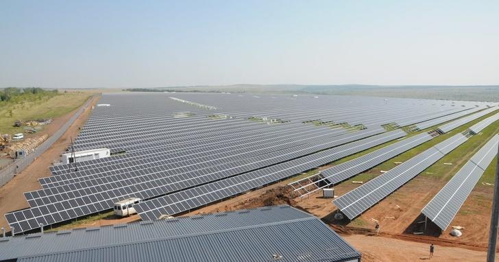 В Оренбургской области запущена новая солнечная электростанция «Сатурн» мощностью 30 МВт