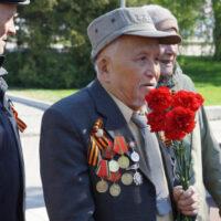 Россети Сибирь поздравляет ветеранов-энергетиков