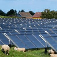 Великобритания построит солнечную электростанцию на 350 МВт и крупнейшее хранилище энергии