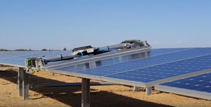 Ученые из Гонконга повысили эффективность солнечных батарей за счет испарения влаги с их поверхности
