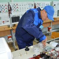 С развитием «умных» домов растет спрос на электриков