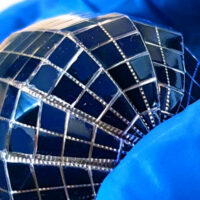 В Саудовской Аравии изобрели сферические солнечные панели, которые могут вырабатывать на 15% — 100% больше энергии чем плоские