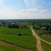 села Усть-Лыжа и Соколово, а также деревни Акись, Песчанка и Родионово в левобережной части р.Печора