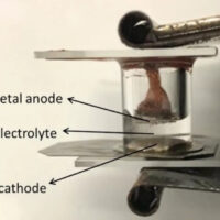 Создана первая жидкометаллическая батарея, работающая при комнатной температуре