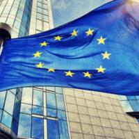 """Еврокомиссия представила две стратегии для """"озеленения"""" энергетики к 2050 году"""