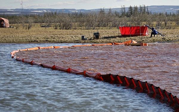 Закон о ликвидации разливов нефти вступит в силу с 1 января 2021 года