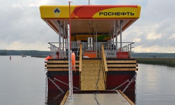 «Роснефть» запустила дистанционную оплату топлива на плавучих АЗС