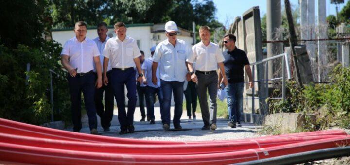 Глава «Россети Кубань» проверил ход строительства новых энергообъектов в Новороссийске и Геленджике