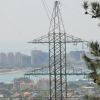 «Россети Кубань» усилили контроль за работой электросетевого комплекса в связи со штормовым предупреждением и пожароопасностью