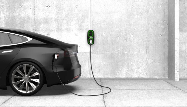 В Томске сделали приложение, которое поможет заряжать электромобиль удаленно