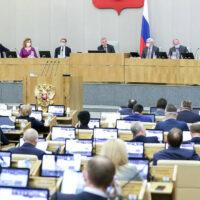 Госдума РФ приняла поправки об ответственности нефтяных компаний за ликвидацию последствий аварий