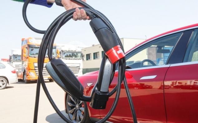 Новые электромобили будут заряжаться в 5 раз быстрее