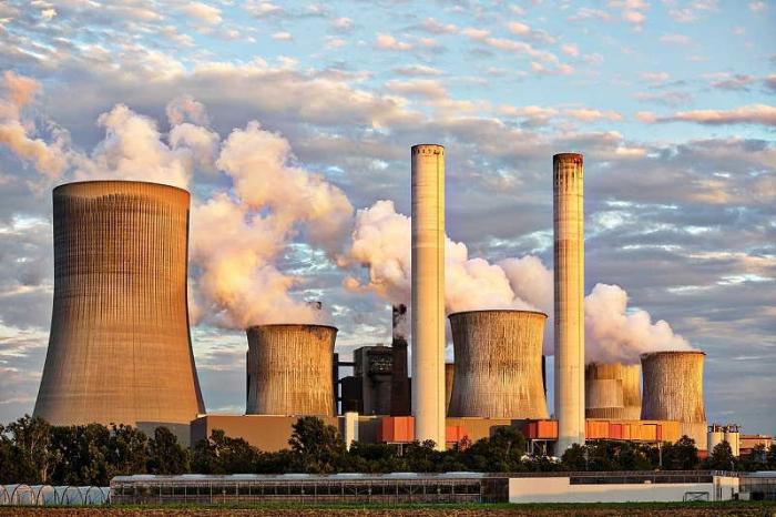 Япония закроет или законсервирует 100 старых угольных электростанций