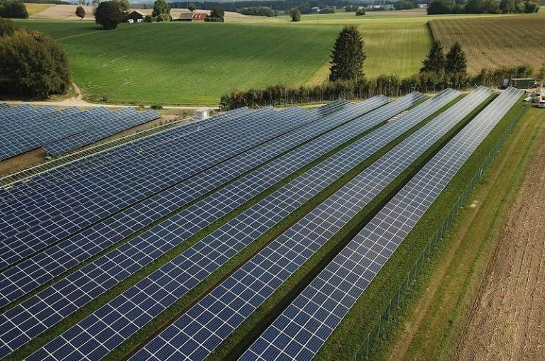 Мощность солнечной энергетики Швейцарии достигла 2,5 ГВт