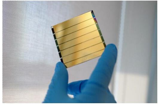Найден способ масштабирования эффективных солнечных батарей на базе перовскита