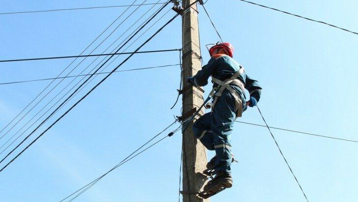 В тимашевском энергорайоне выявлено восемь фактов незаконного подвеса линий связи на опорах ЛЭП