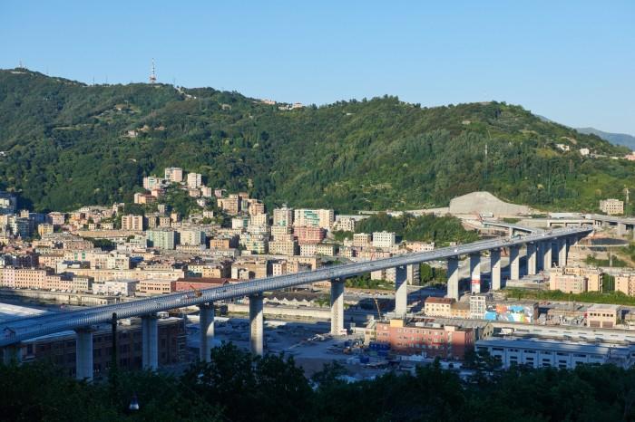 В Генуе открыли «умный» автомобильный мост, созданный из мариупольской стали