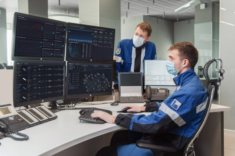 «Газпром нефть» внедряет цифровые системы промышленной безопасности