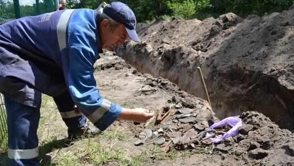 В Воронеже при прокладке газопровода обнаружены останки и личные вещи солдат времен войны