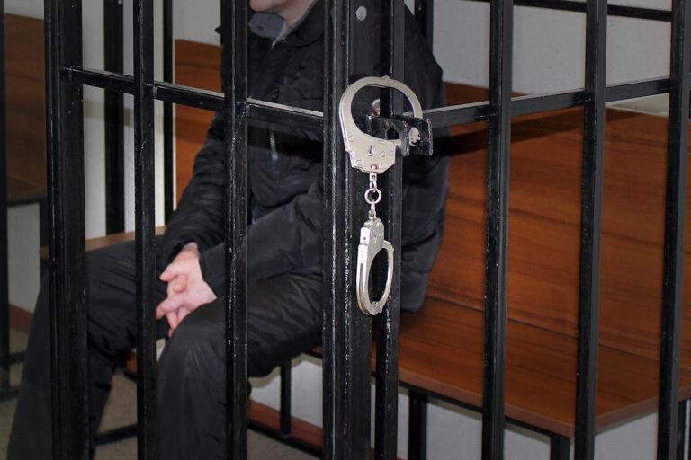 Виновному в гибели алтайского электромонтёра грозит лишение свободы до 15 лет