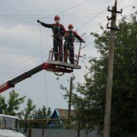 В Горячем Ключе выявили 88 фактов незаконного подвеса линий связи на опорах ЛЭП