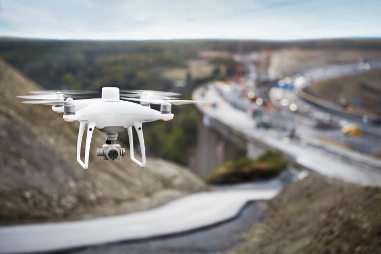 Новая технология перезаряжает дроны за 5 минут