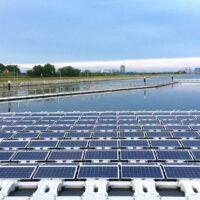 В Сингапуре появится одна из крупнейших в мире плавучих платформ с солнечными батареями