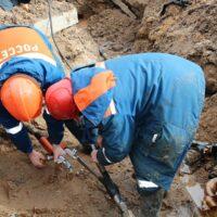 Энергетики оперативно восстановили электроснабжение одного из районов Пскова, нарушенное техникой сторонней организации