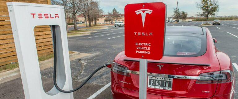 Tesla готовит 40-летний контракт с Giga Metals на поставку никеля и кобальта
