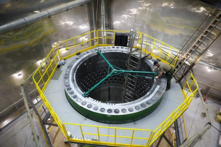 На Атоммаше стартовала контрольная сборка реактора для первого энергоблока АЭС «Аккую»