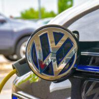 Volkswagen запускает два новых завода по производству электромобилей в Китае