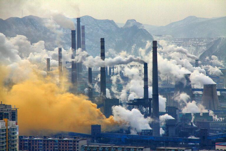 Альянс Shell и Microsoft будет использовать ИИ для достижения нулевых выбросов CO2