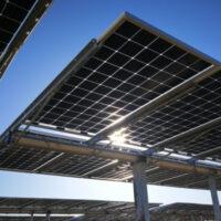 В Греции построят солнечную электростанцию с двусторонними панелями общей мощностью 204 МВт