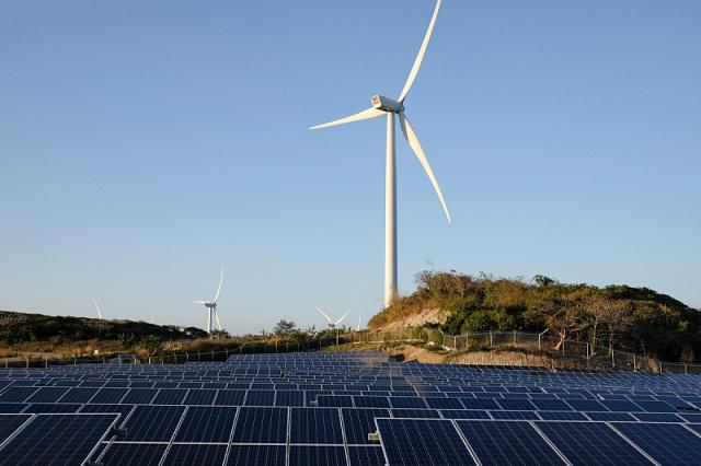 Франция выделит 6 млрд евро на развитие возобновляемой энергетики в 2021 году