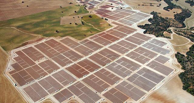 В Испании построят СЭС мощностью 169 МВт с системой слежения за солнцем