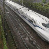 В Японии запустили новый скоростной поезд с самоходной системой