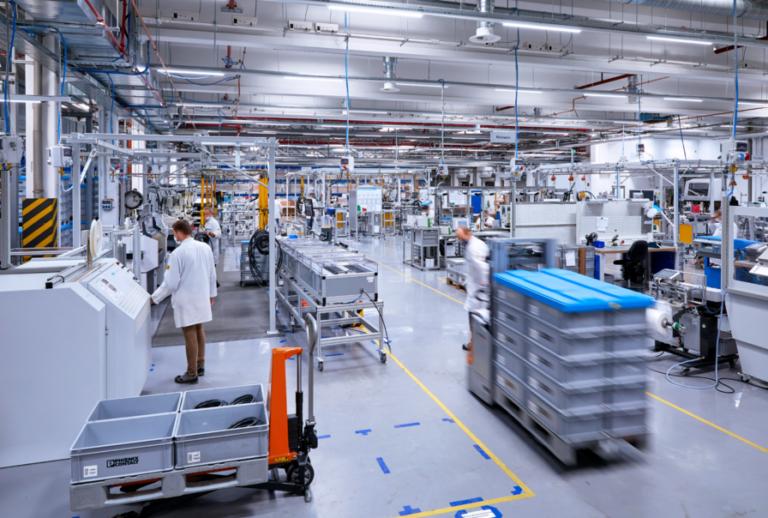 Phoenix Contact E-Mobility: Новые производственные здания в Германии и Польше